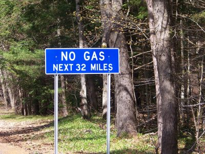 Kancamagus no gas for 32 miles sign